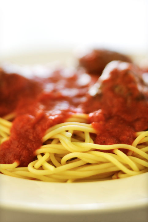 spaghetti marinara with meatballs