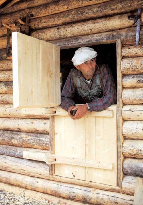Proenneke in cabin