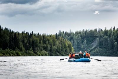Fairbanks Midnight Sun Dinner & River Raft Float Trip
